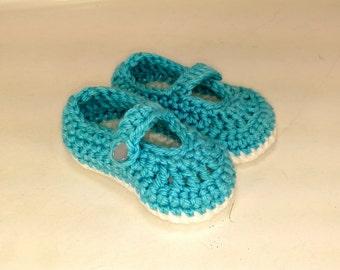 Baby blue teal shoes slippers crib shoes socks booties manyjane hand knit crochet soft yarn girls