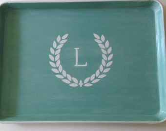 L white laurel wreath initial blue green whitewash tray