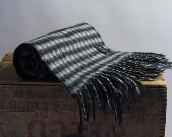 Pure new lambswool wool plaid checks checkered shawl scarf black white reversible greys fringe Black&white luxury brand
