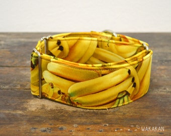 Martingale dog collar model Banana. Adjustable and handmade with 100% cotton fabric.Fruity style Wakakan