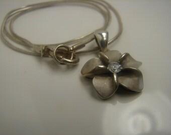 Sterling Silver 5 Leaf flower Necklace CZ 152
