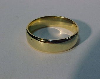 Comfort fit 14k(hallmarked) size 10 1/4 -professionally polished-7 grams-Will ship only to the continental USA or Canada