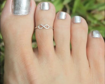 Silver Toe Ring  Fully Adjustable One Size Fits All.