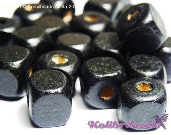 50x Wooden Cube Beads 10 mm - Black