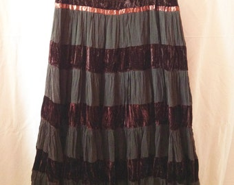 Skirt / petticoat vintage, gray-deep purple and Brown-dregs of wine, T 42 / 44.