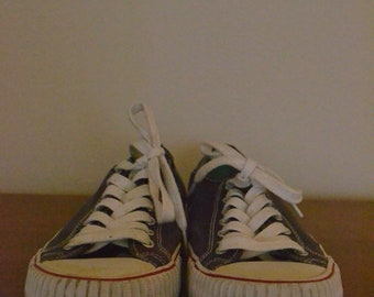 PF Flyers Navy Blue Low Tops Size 11.5 Vintage Shoes