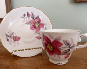 Vintage Tea cup, Royal Vale Bone China in very good vintage condition