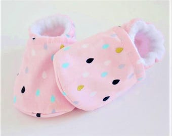 Baby pink shoes, baby girl shoes, crib shoes, baby booties, soft sole, rain pink, baby moccs, kids shoes, baby girl, baby shoes girl