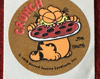 Vintage 1978 Garfield Pizza Matte Scratch And Sniff Sticker Great Smell