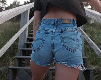 Vintage 90s denim cut offs by Lee - 90s Light Wash Jean Shorts - 26 Waist