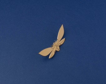 Pin brooch butterfly insect 24k gold. Jewelry designed and made in Paris/France. Original accessories. Elegant Wedding