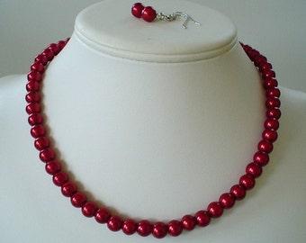 Brides de Grand Strand foncé Rouge perle collier de perles et boucles d'oreilles ou cadeaux de demoiselle d'honneur unique