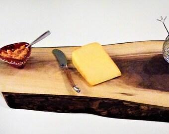 Live Edge Walnut Cutting Board / Chacuterie Board / Serving Tray / Cheese Board