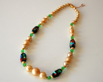 Murano's  beads and faux pearls necklace