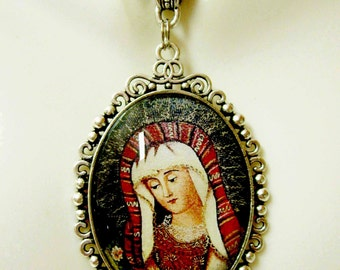 Our Lady of Sorrows pendant and chain - AP09-407