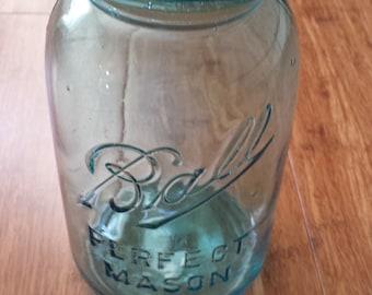 Vintage Ball Jar -Perfect Mason - c 1910 - 1923