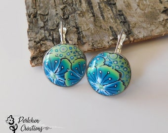 Round earrings with cabochon made of polymer clay, flowers turquoise blue and green