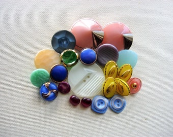 Lot of Various Vintage Moon Glow Glass Buttons