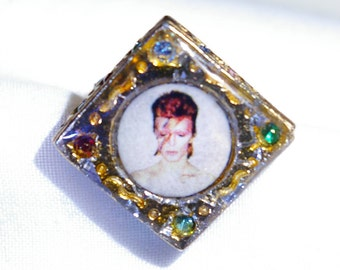 bowie aladdin sane ring