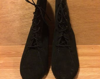 Vintage suede 7US witch black boots