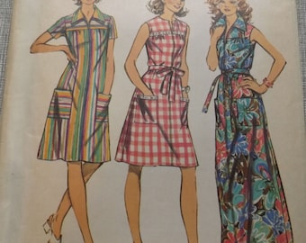 Misses' Smock Dress with Yoke in Two Lengths in Size 14-1/2 Vintage 1970s Simplicity Sewing Pattern 5028 All 12 Pieces