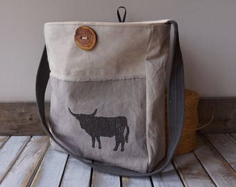 4BULLXSWB PotatoSac Co. Heavy duty environmental shopping bag with bull. Made in Wilmer BC Canada.