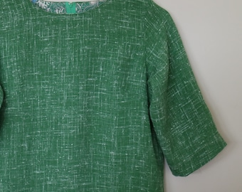 texture in green...ladies autumn or spring shift with 3/4 sleeves and pockets in vintage fabric