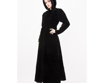 1930s velvet coat with hood / Vintage black velvet hooded cloak / Puff sleeves / Witchy goth full length opera coat / Faux fur trim / S M