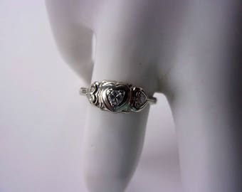 "Art Deco 18K 3-Diamond Heart ""Ring O Romance"""