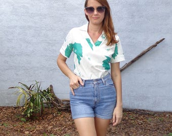Vintage Floral Blouse / White & Green / 1970's / Medium
