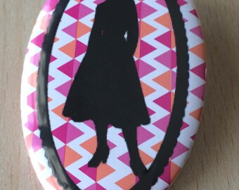 badge / brooch vintage silhouette fashion 06