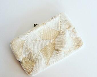 Vintage evening bag. Wedding purse. White beaded purse. 1950s handbag. 50s purse