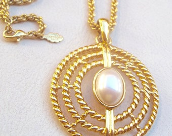 Courreges France Vintage Necklace Elegant Creamy Pearl Gold Filigree Pendant