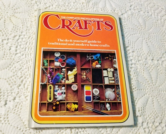 Vintage crafts book the do it yourself craft book the solutioingenieria Image collections