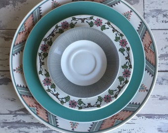 Vintage Mikasa Charger Plater - Intaglio Santa Fe Pattern
