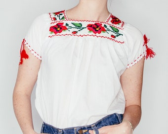 Vintage Embroidered White Top XS