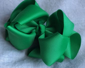 Green 4 Inch Double Stacked Bow