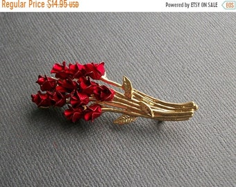 ON SALE Beautiful Vintage Dozen Roses Bouquet Brooch Flower Pin Flower Bunch Pin Vintage Gold and Red Brooch Vintage Jewelry
