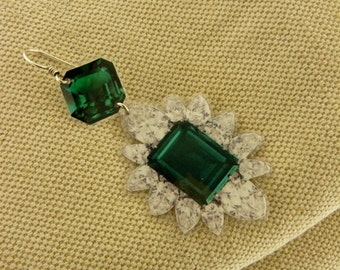 Emerald and diamond paper earring.