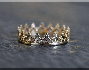Solid 14k Gold Princess Crown Stacking Ring, 14k gold Crown ring, Stacking Ring, delicate solid gold ring, 14k Solid Gold Novelty Ring