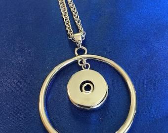 Single snap charm necklace