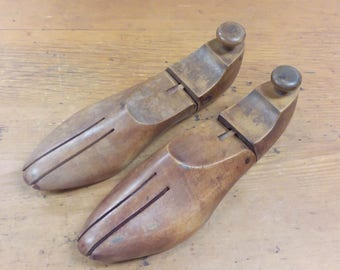 Pair of Men's Vintage Wooden Shoe Trees Size 10 W Wide