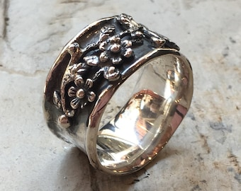 Sterling silver band, wide oxidised band, floral band, boho ring, bohemian ring, floral ring, flowers ring, simple band - Floral day R2371