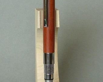 SO095 pen Stratus in cabreuva