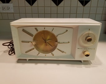 Vintage Westinghouse AM Table Radio Model Ivory H-544T5