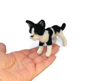 Custom Cat Sculpture -  Grey needle felted cat Ornament , Kitten memorial Sculpture,  small size