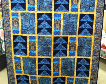 Blue Casablanca Quilt. Lap size blanket throw blue yellow cotton