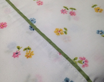 Cheery Floral Twin Sheet with Olive Green Trim Flat, Bedding