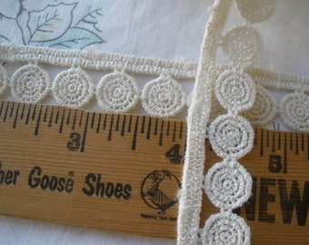 """Tatted look Ivory applique Lace Trim 11/16"""" wide bobbin lace cluny lace circles straight edge retro choose yardage cream off white trim"""