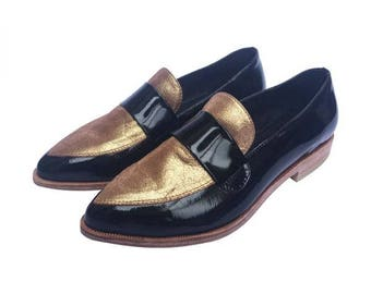 Black patent leather moccasin shoe with golden Brazilian leather